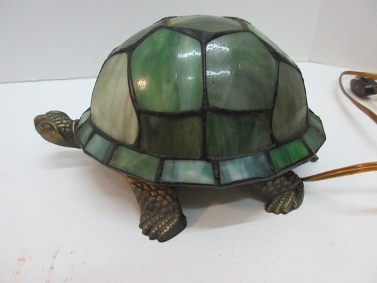 Tiffany Style Novelty Tortoise Accent Lamp