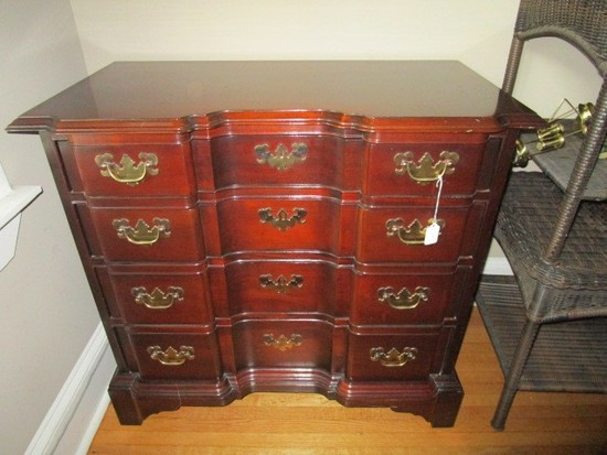 Hickory Chair Co. Historical James River Plantations 4 Drawer Chest Bow Front
