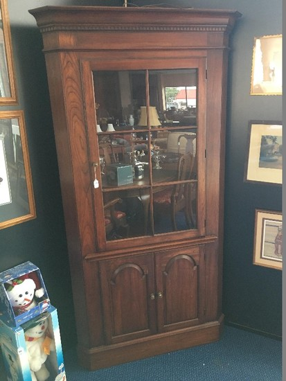 Stately Traditional Pennsylvania House Solid Cherry Lighted Corner China Cabinet