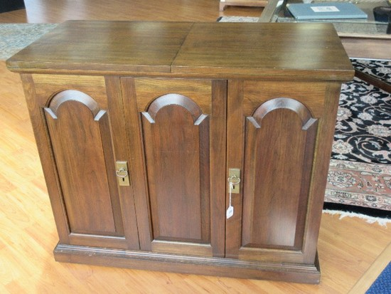 Simple Elegance Pennsylvania House Solid Cherry Flip Top Server on Casters w/ Fitted Drawer