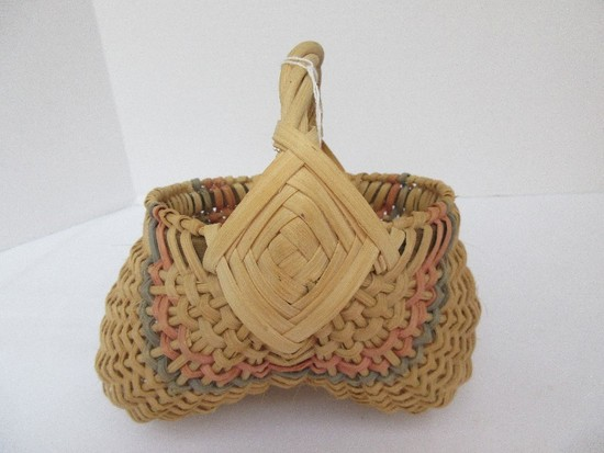 Small Hand Woven Buttock Basket w/ Spiral Handle & Color Accent