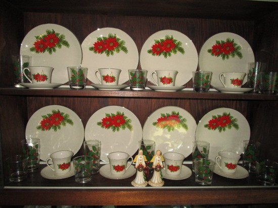 "Tromphe Ceramic China Lot - Holly/Silvered Trim 9 Plates 10 3/4"" D, 10 Saucers, 8 Cups"