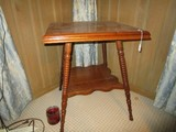 2-Tier Wooden Side Table Twist/Spindle Design Wave-Trim, Lower shelf