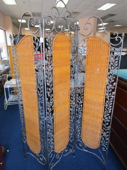 3 Panel Wicker/Leaf Design Metal Divider w/ Curled Top