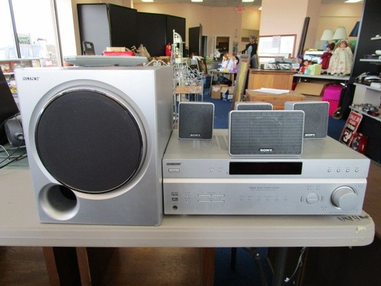 Sony Lot - Song Digital Audio Control Center w/ 4 Speakers, 1 Subwoofer