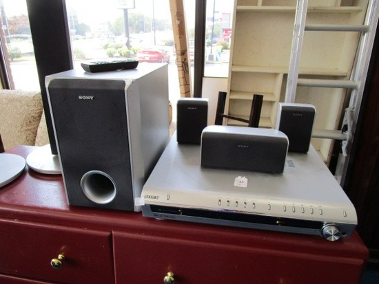 Sony DVD Recorder/Receiver w/ 3 Speakers, 1 Subwoofer w/ 2 Left/Right Standing Speakers
