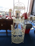 4 Tier White Metal Corner Shelving, Lattice Design, Curled Leaf/Pineapple Finial Sides