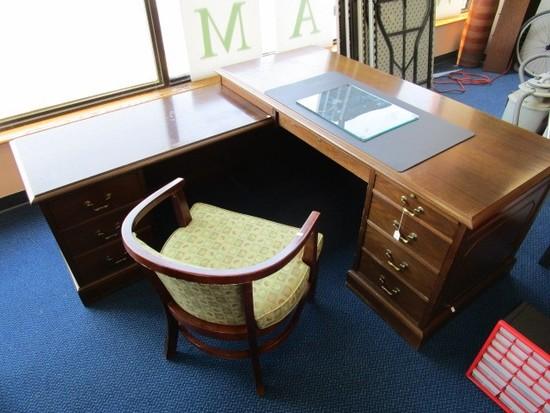 Boling Co. Wooden Corner Desk 6 Drawers, Dovetails w/ Brass Pulls, 1 Lock No Key
