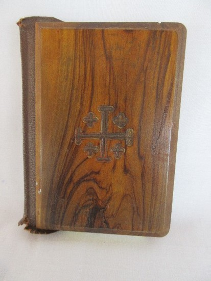 Small New Testament Red Letter Bible w/ Carved Olive Wood Beveled Edge Cover