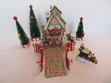 Department 56 North Pole Series Gift Set