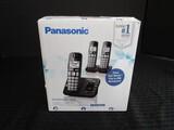 Panasonic Cordless Telephone w/ Digital Answering Machine 3 Handsets