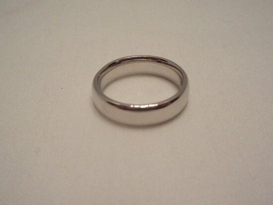 AK Jewelry Atasay Kyuymculuk 18k Band Ring