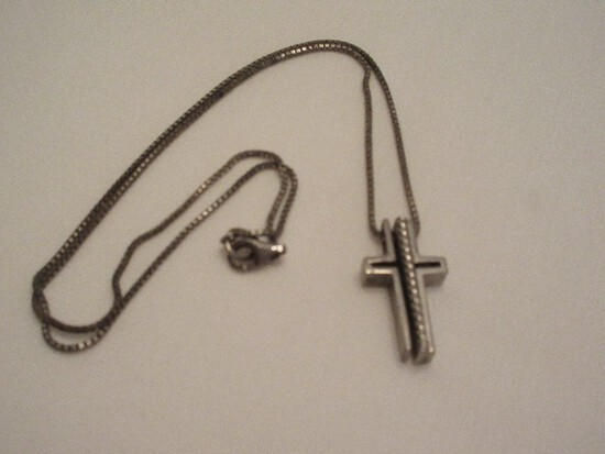 """925 Sterling 3 Piece Trinity Cross Pendant on 925 Box Chain End/End 17"""" Cross 1"""""""