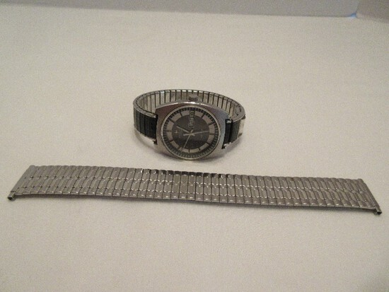 Hamilton Automatic HF-36 Men's Wrist Watch w/ Day & Date Display Stainless Steel