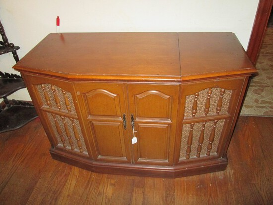 Vintage Zenith Record Player Console Wooden Body Open Top