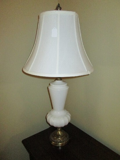 White Ceramic Table Lamp, Ornate Brass Base/Acanthus Leaf Neck, Scallop Wide Base