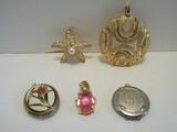 Lot - Fashion Jewelry Pendant Enhancer Kenneth Jaylane Crystal/Faux Pearl Star Fish 1 1/2
