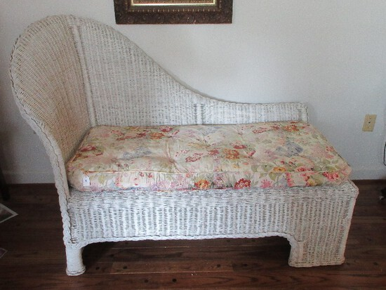 Traditional Wicker Chaise Fainting Couch w/ Floral Tufted Cushion