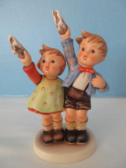 "Goebel Hummel ""Auf Wiedersehen"" Porcelain Boy & Girl 5 3/4"" Figurine"