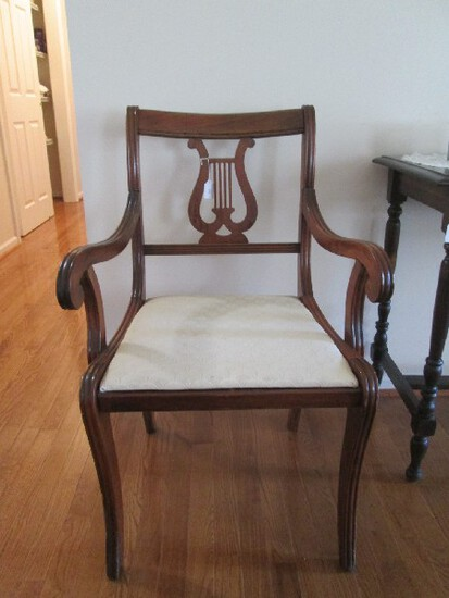 6 Dining Chairs Curved Feet, Grooved Legs, Lyre Back White Upholstered Seats