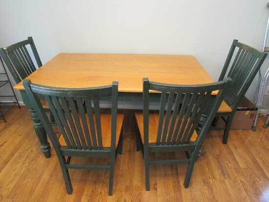 Wooden Top/Green Base Table w/ Chairs Scallop/Grooved Legs Chairs Slat Back