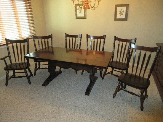 Ethan Allen Kling Furniture Heart Pine Colonial Tavern Collection Rubbed Edge Table