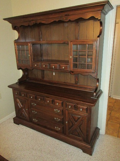 Ethan Allen Kling Furniture Heart Pine Colonial Tavern Collection Hutch China Cabinet