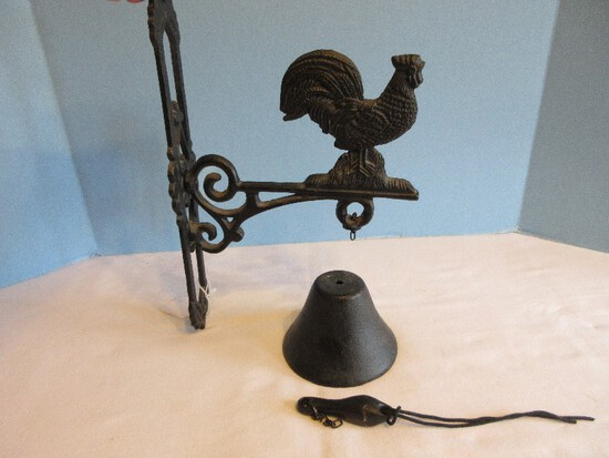 Cast Iron Rooster Dinner Bell Wall Mount Bracket