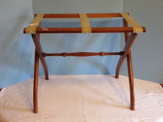 Maple Folding Luggage Rack
