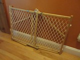 Gerry Wooden Frame Standard Safety Gate White Lattice Design