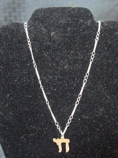 Silver Italy Pendent Chain Necklace w/ Pi Pendent