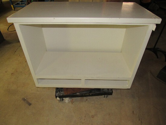 White Wooden Storage Work Shelf, 1 Divided Tier