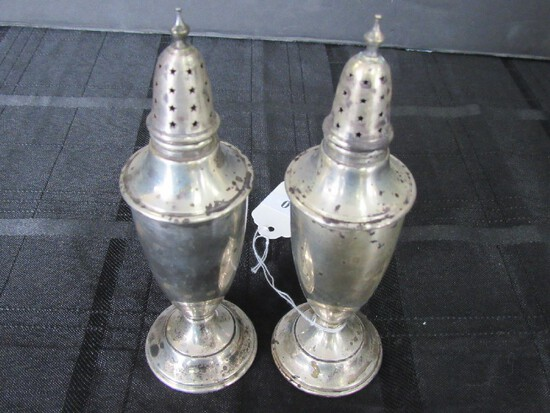 2 Tall Urn Design Salt/Pepper Shakers, 'International Sterling 558'