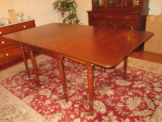 Stately Pennsylvania House Traditional Sheraton Style Cherry Drop-Leaf Dining Table