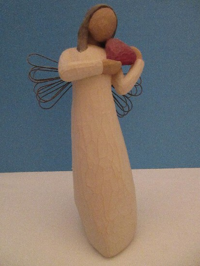 "Demdaco Willow Tree 8"" Tall ""Angel of The Heart"" Statuette w/ Original Box & Tag"