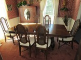Amazing Extendable Dark Wooden Table w/ 1 Leaf w/ 6 Chairs, Table Curved/Scroll Legs