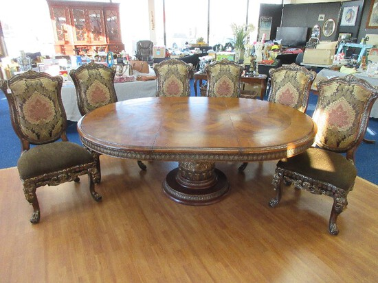Signature Series Magnificent Michael Amini Classic Chestnut Pedestal Dining Table