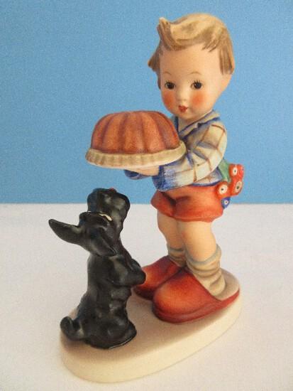"""Vintage Goebel Hummel """"Begging His Share"""" 5 1/2"""" Figurine Dog Begging #9"""