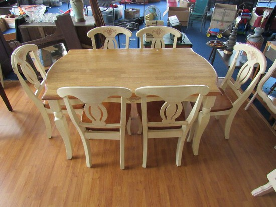 Stanley Furniture White/Pine Wooden Table w/ 6 Chairs Spindle/Curved Legs