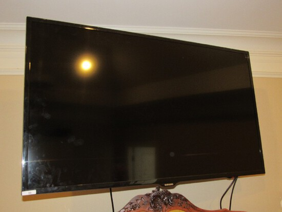 "Samsung Black Wide Screen 49"" HDTV w/ Wall Mount"