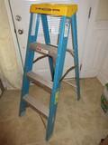 Werner Blue Fiberglass A-Frame 4ft Ladder 250lbs Capacity Standing Level 1ft 11
