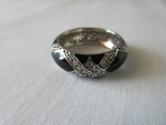 Stamped 925 Sterling Silver Impressive Black Enamel & Cubic Zirconia Zig-Zag  Ring