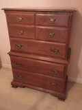 Ethan Allen Furniture Maple Colonial American Style Chest on Chest Dovetailed Drawers