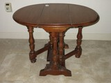 Walnut Gateleg Drop Leaf Oval End Table Ring Turned Balusters Trestle Foot