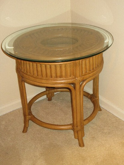 """Rattan Round 24"""" End Table w/ Thick Green Glass Top Beveled Edge"""