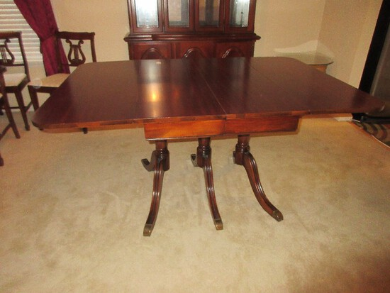 Classic Duncan Phyfe Style Mahogany Triple Pedestal Drop-Leaf Dining Table