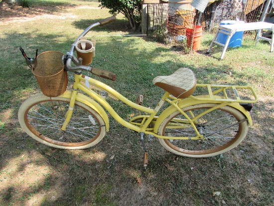 Vintage Nel Lusso Huffy Yellow Metal Bicycle, Pad Seat