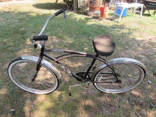 Vintage Huffy Santa Fe Black Metal Bicycle Black Seat