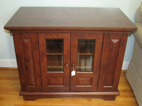 Wooden Side Entertainment Table Panel Body Bracket Feet, 2 Magnetic Side Doors