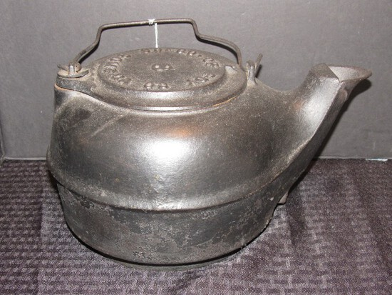 Vintage No.8 Cast Iron Black Teapot So-Co Op IDY Co. Rome CA